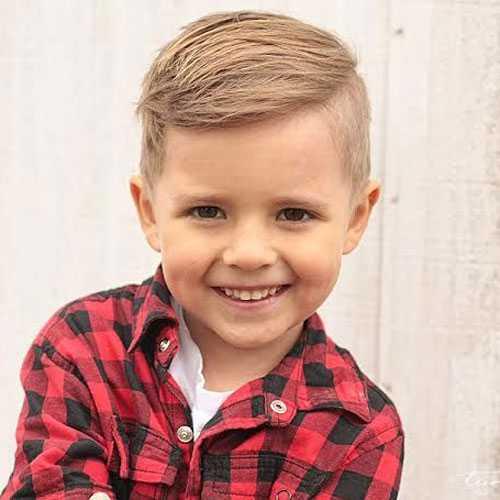 Cortes de pelo lindo para los niños pequeños