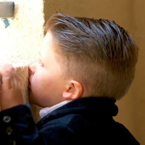 Corte de cabello para los niños pequeños