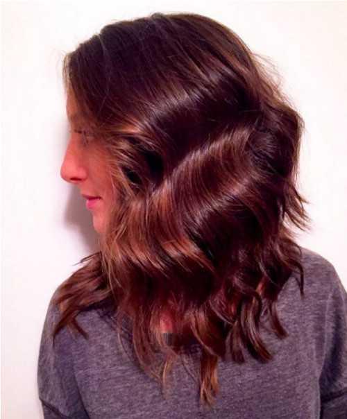 Medium ondulado peinado de pelo rojo