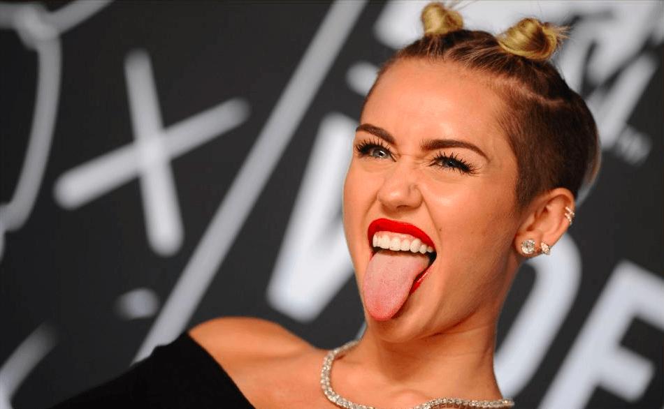 Miley- cyrus-Bun-peinado