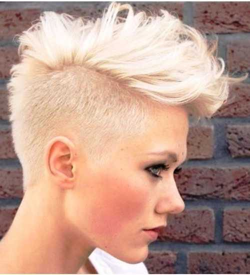 Platinum Blonde rizado Pixie corte de pelo 2016