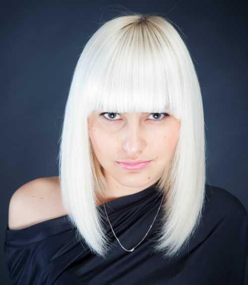 Platinum corte de pelo recto de la Mujer