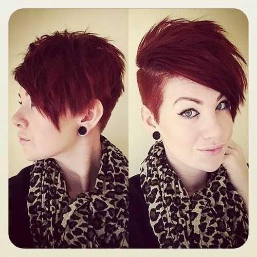 -lados-afeitado-corto el pelo rojo