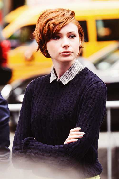 -rojo-pelo-Pixie-corte de pelo corto