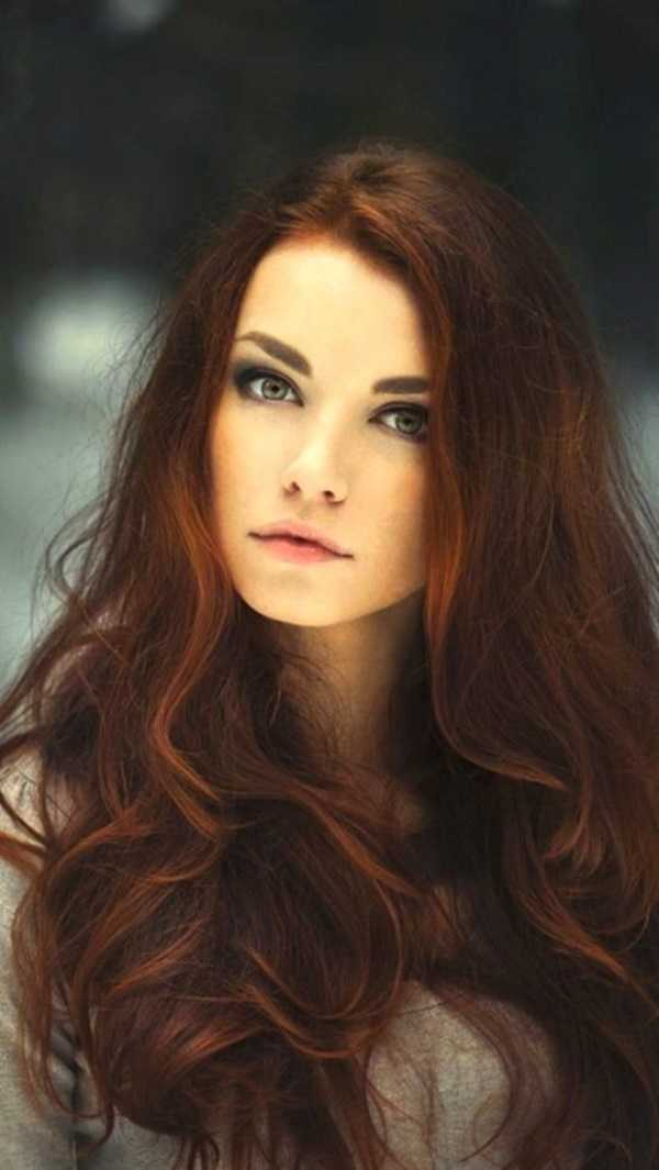 Superb-brunette-hairstyles-for-round-faces0181