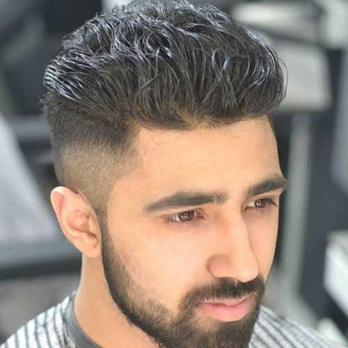 alta fundido con Hard Peinado de lado