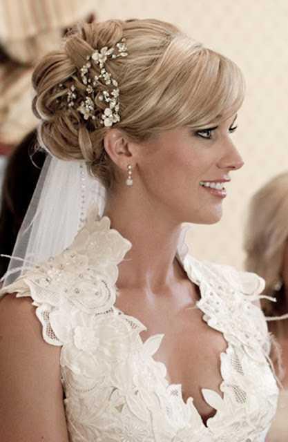 peinados de novia para pelo medio con el velo