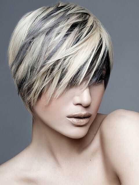 Lo más destacado para el pelo corto en capas 2016