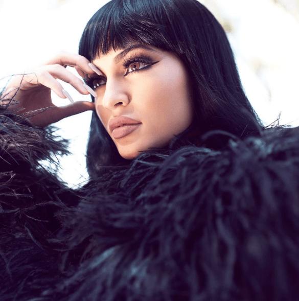 Kylie-Jenner-bang