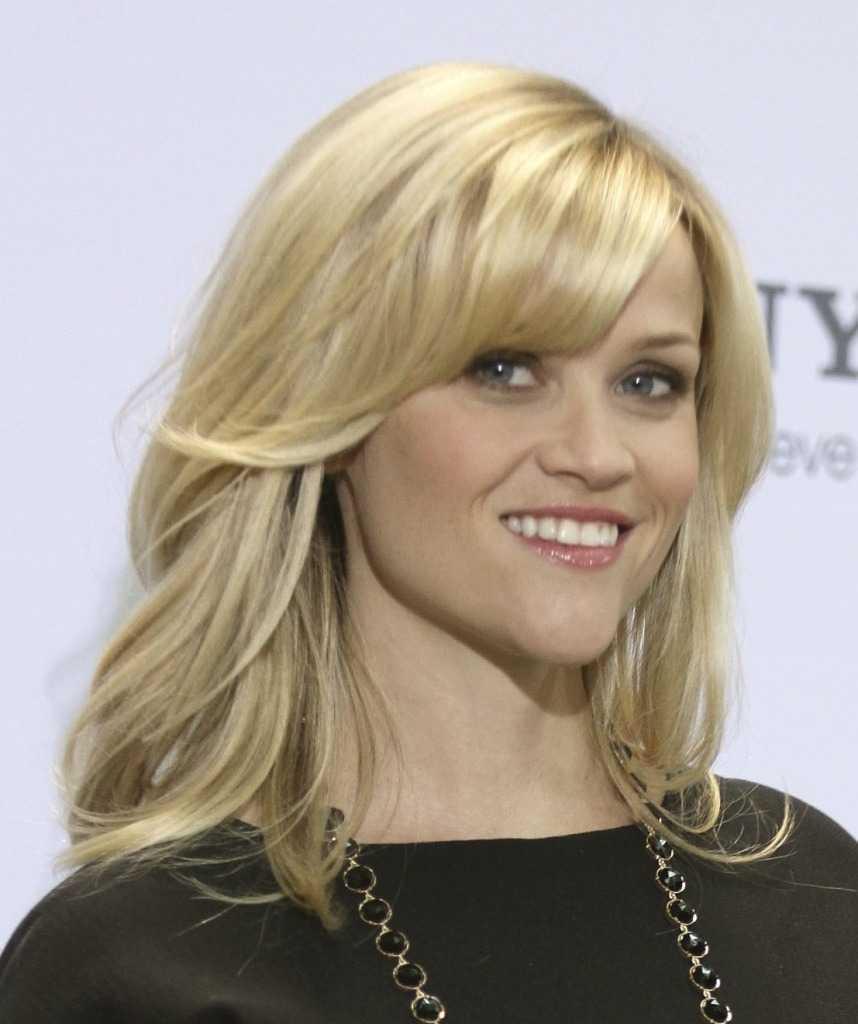 lado-barridas por capas-bang-Reese-Witherspoon-larga