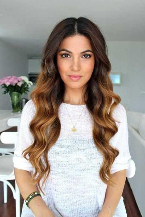 corte de pelo ondulado largo para las mujeres