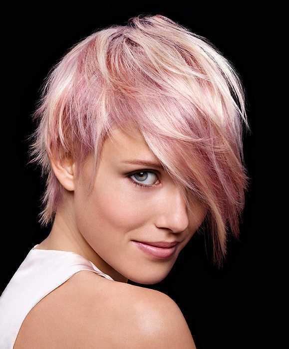 corto-recta pelo rubio-rosa-peinado