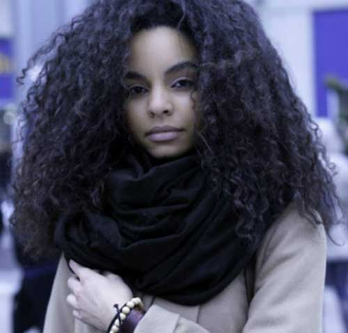 Los peinados para niñas negras con pelo largo y 12