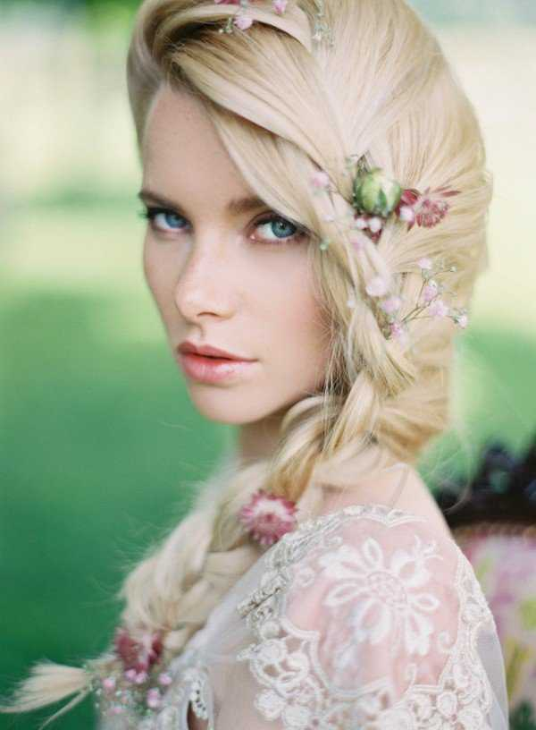 Babies-Breath-Romantic-Wedding-Hairstyles-1
