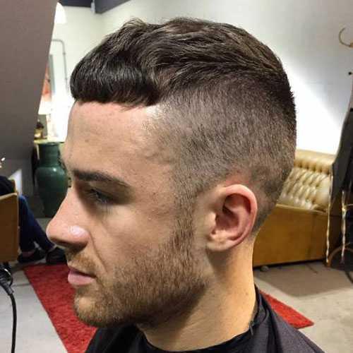 César corte con Curly Hair