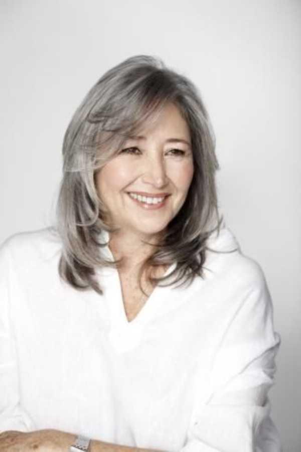 estilos de cabello gris inspirador para las mujeres que tratan de 20.160.001