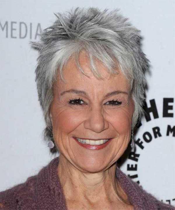 estilos de cabello gris inspirador para las mujeres que tratan de 20.160.161