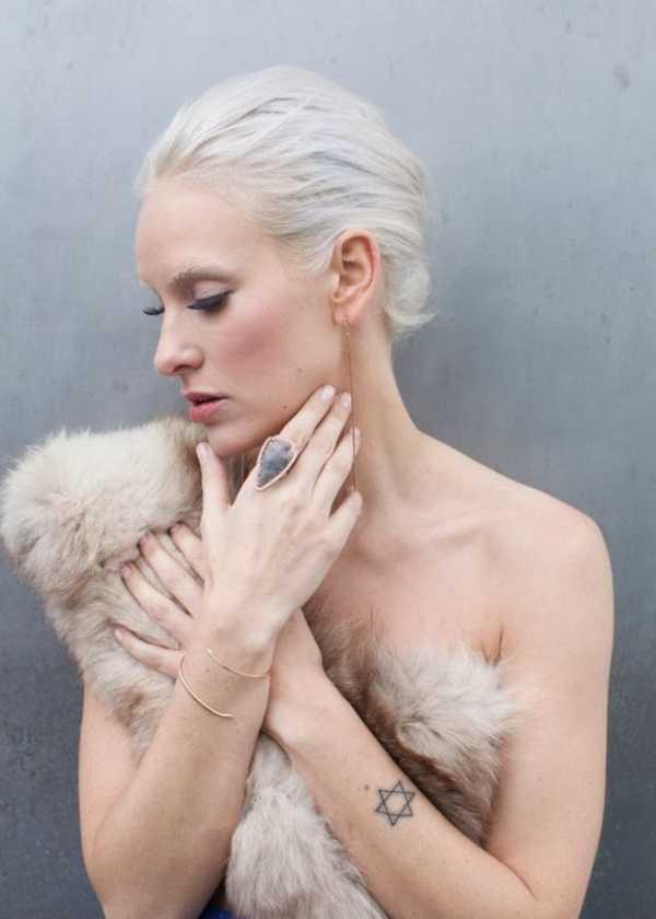 estilos de cabello gris inspirador para las mujeres que tratan de 20.160.261