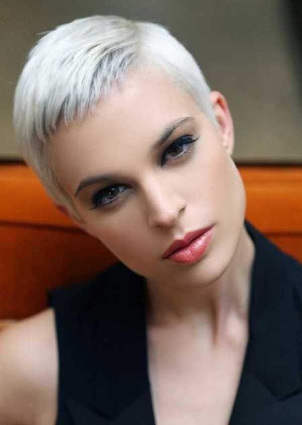 estilos de cabello gris inspirador para las mujeres que tratan de 20.160.271
