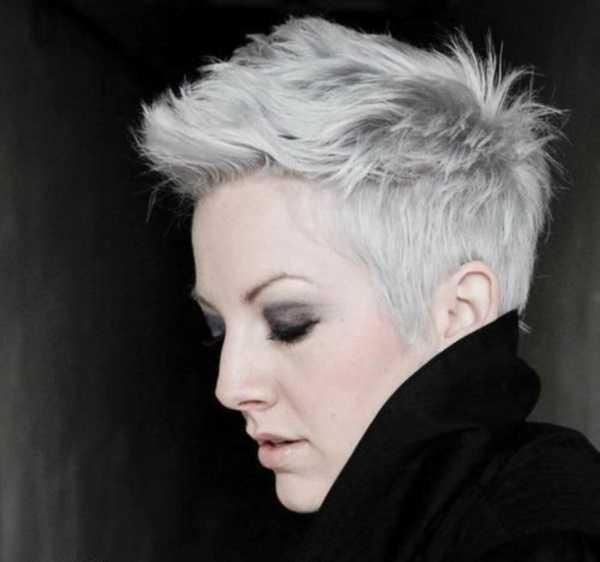 estilos de cabello gris inspirador para las mujeres que tratan de 20.160.371