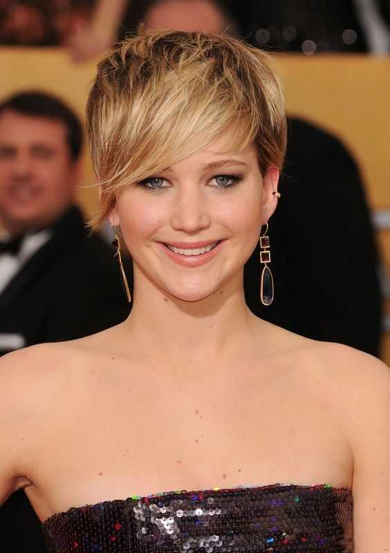 Jennifer-Lawrence-Pixie-Cut-Con-A-Long-Fringe