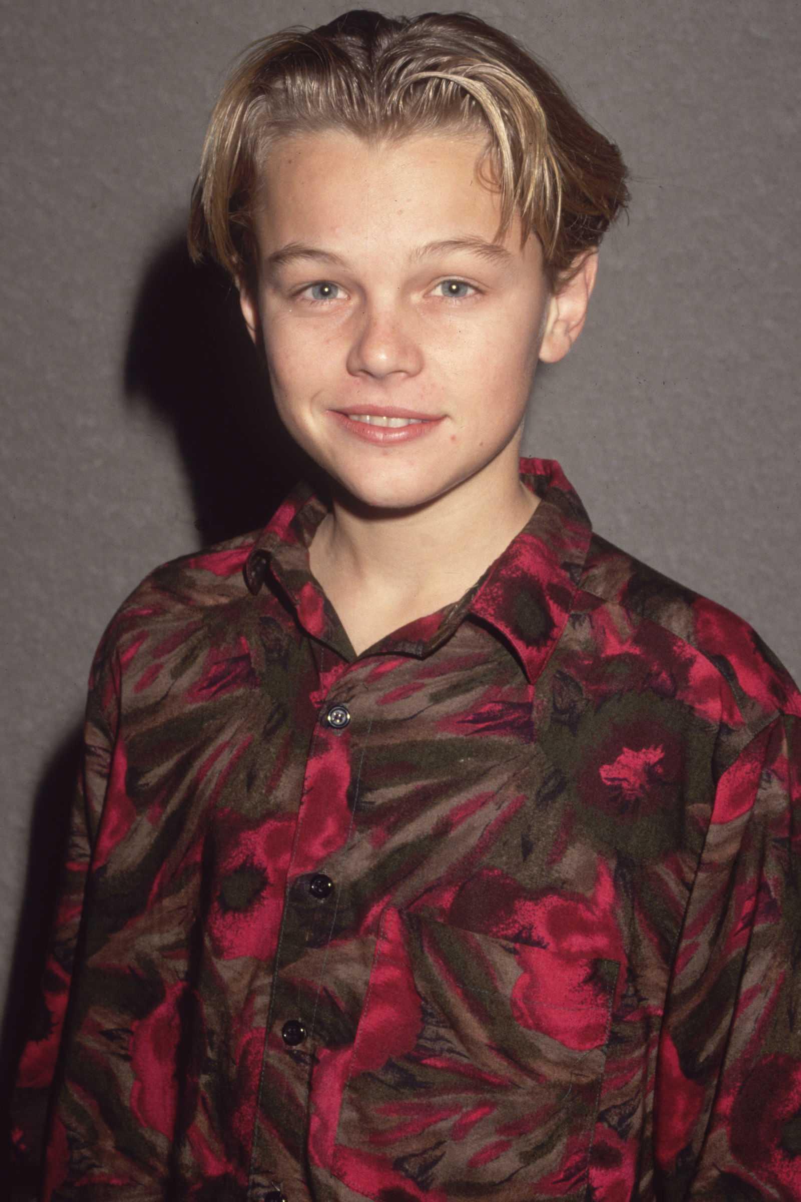 peinados celebridades Leonardo DiCaprio, 1989