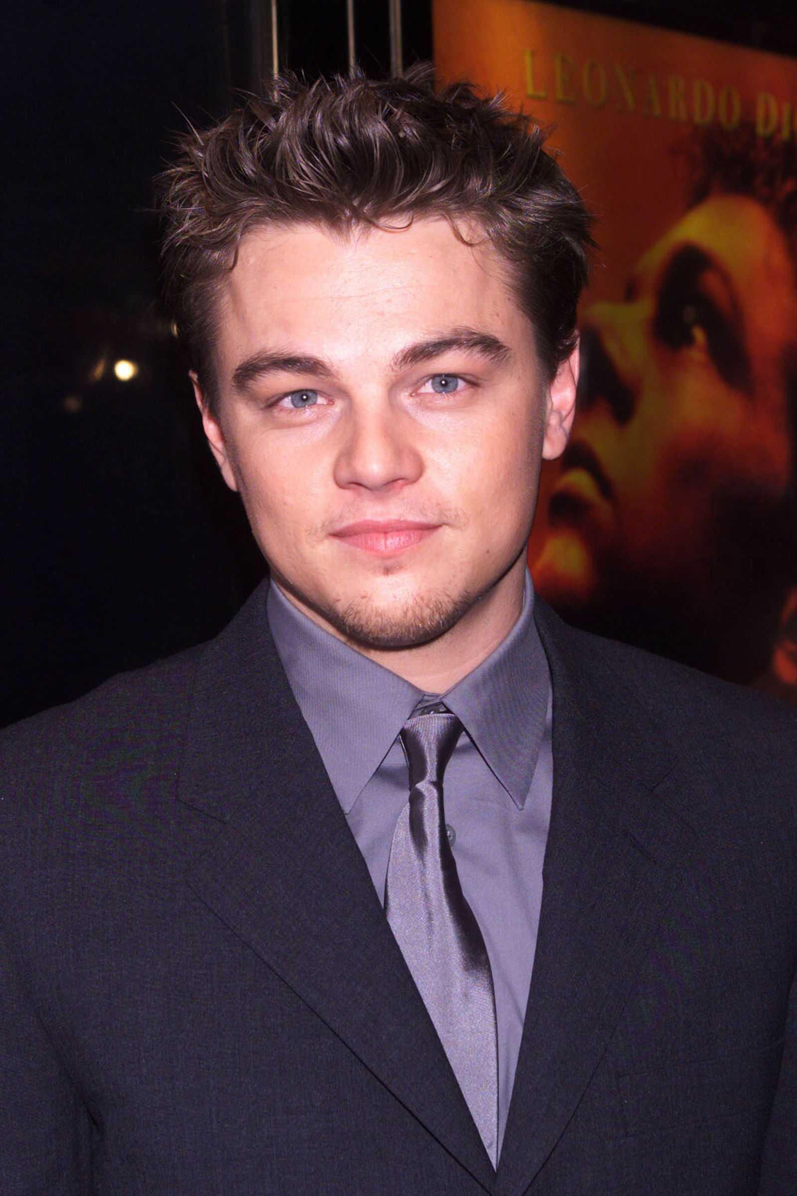 peinados de las celebridades Leonardo DiCaprio 2000