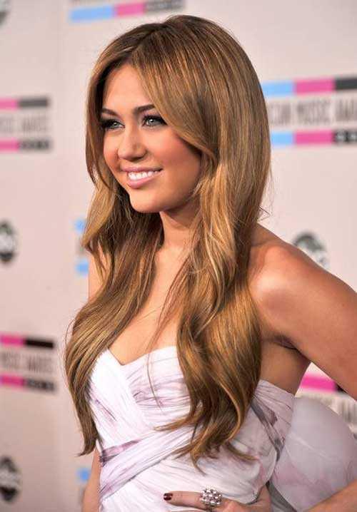 Estilos de Miley Cyrus recto en capas de pelo