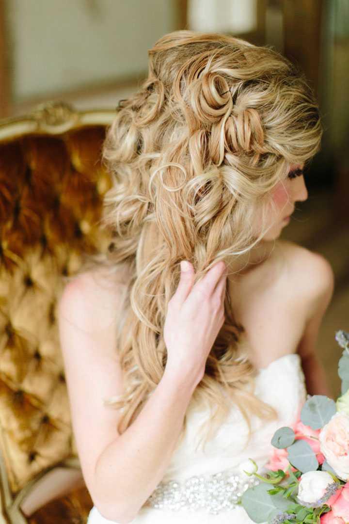 Los peinados de boda romántica Mon Cheri