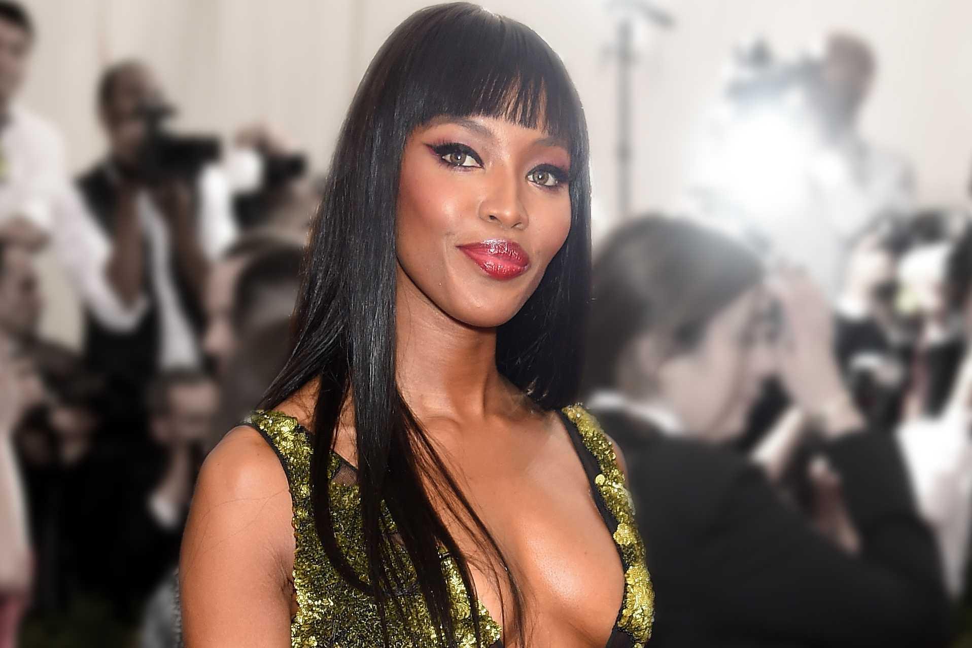& amp; amp; quot; China: A través del espejo & amp; amp; quot; el pelo largo Naomi Campbell