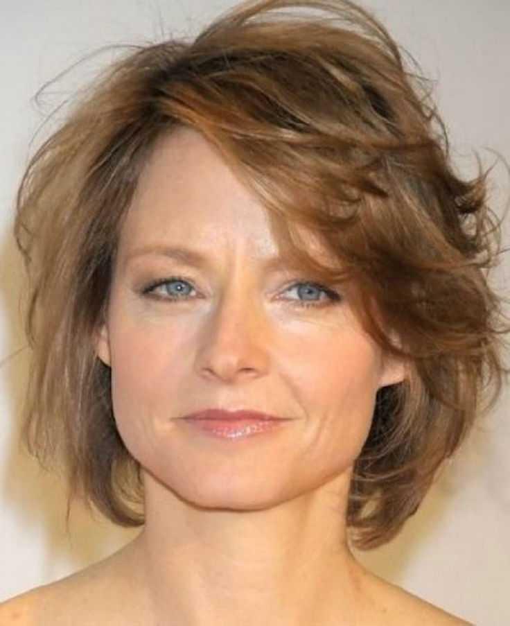 cortes de pelo corto para las mujeres de edad caras redondas