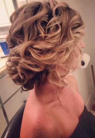 Prom-peinados-para-Long-pelo-twisted-Updo