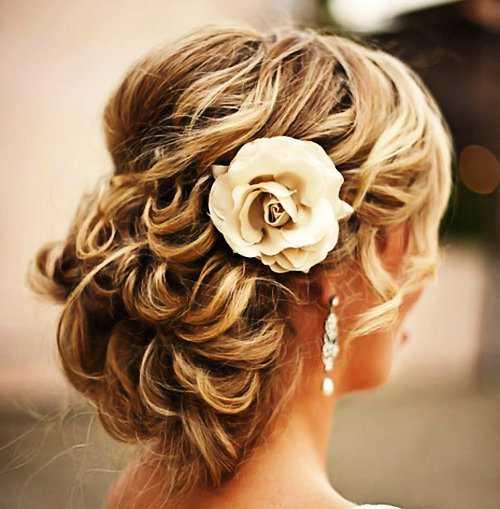 Prom Updo para el pelo largo