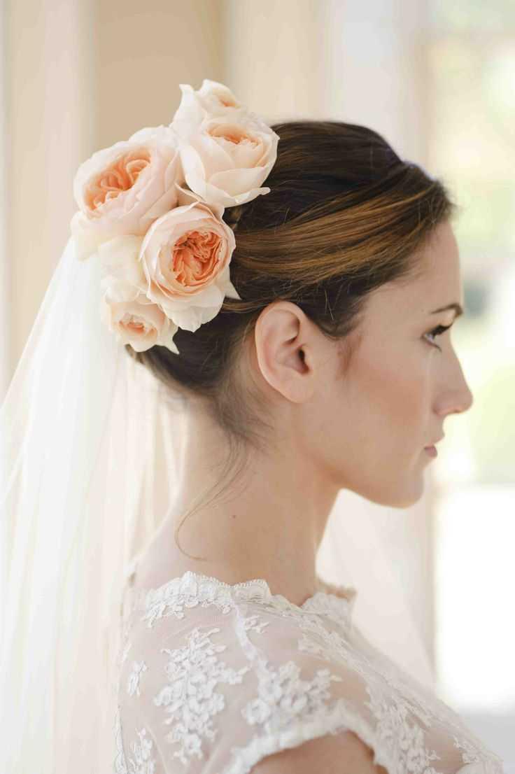 románticos ramos de la boda peinados