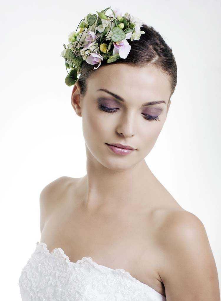 Los peinados de boda románticos para el pelo corto