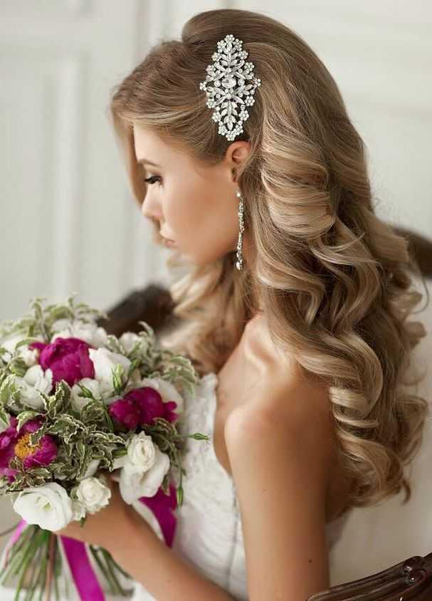 Los peinados de boda romántica con