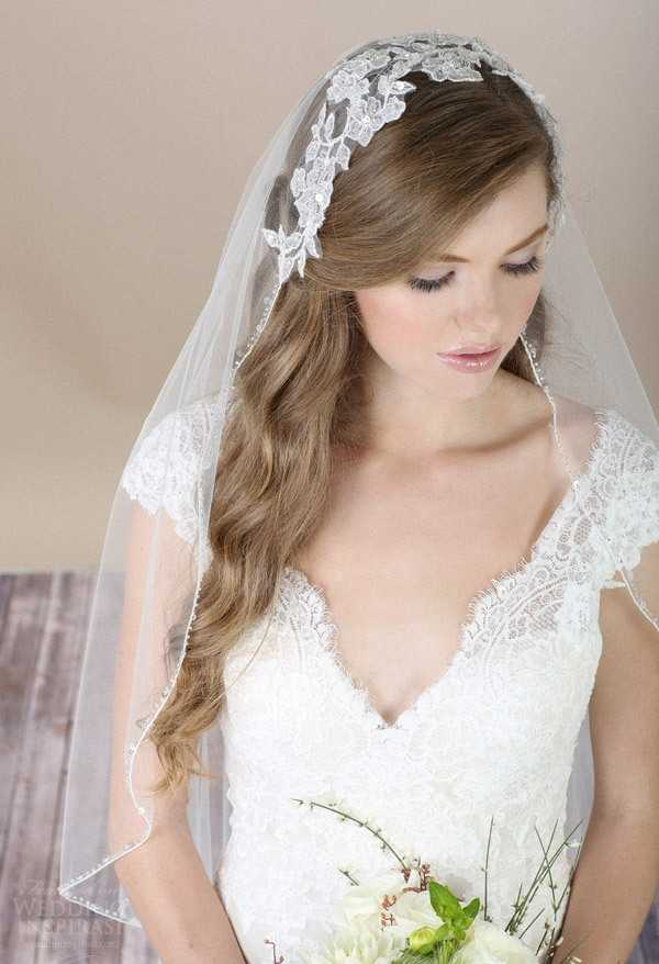 Los peinados de boda romántica con velo