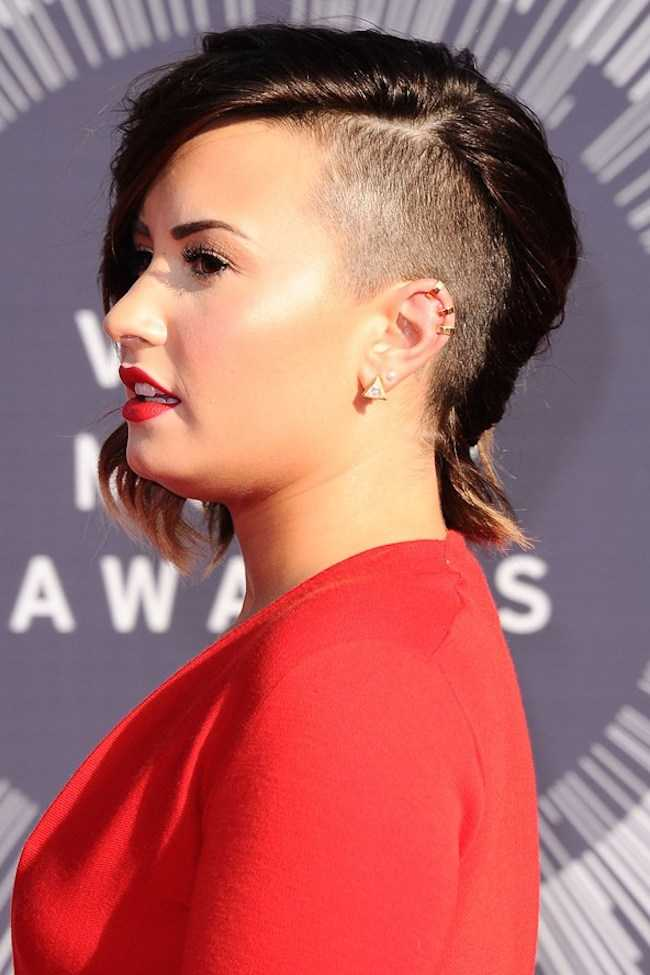 peinados afeitadas famosos para las mujeres