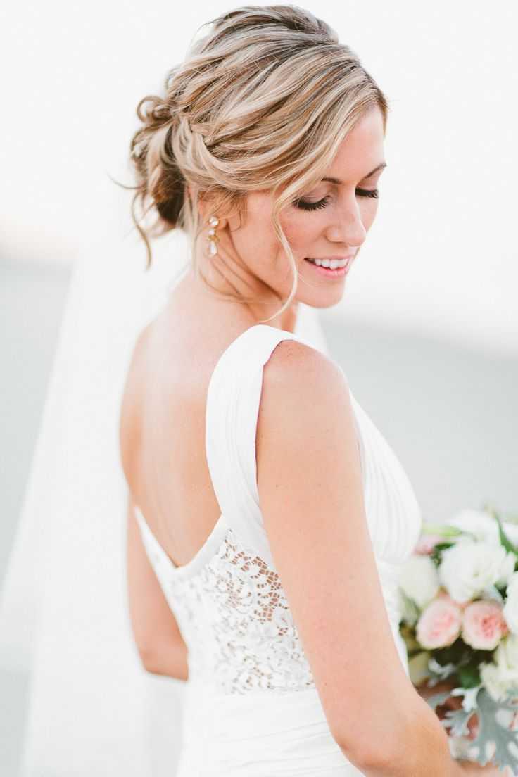 simple romántica Los peinados de boda
