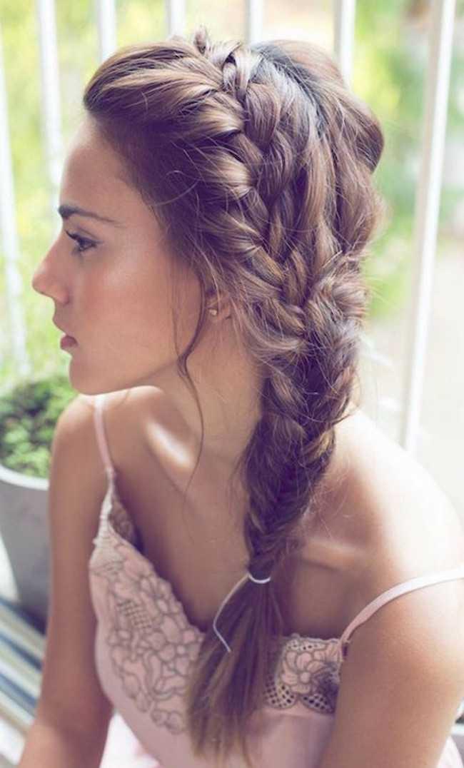suave trenza lateral para el pelo largo