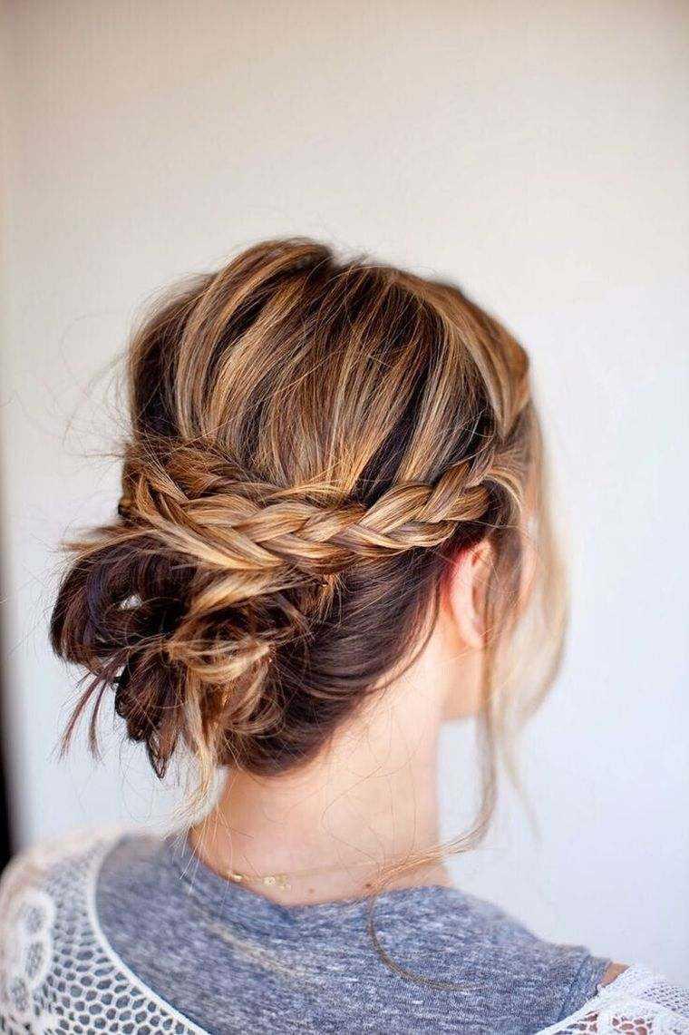 mujer del peinado del cabello largo mat