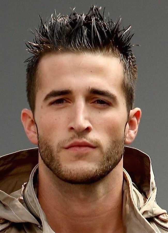 Más de cortes de pelo de punta del peine para los hombres