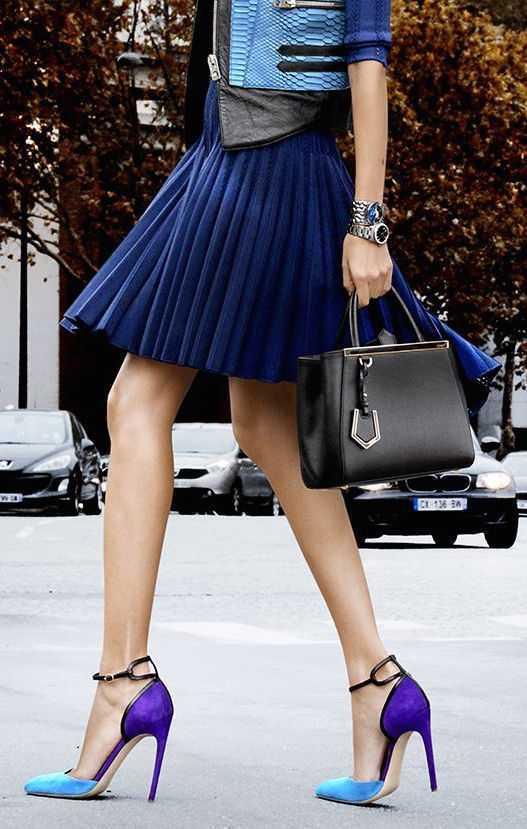 street-style-plisada-marino-falda-y-colour block-talones