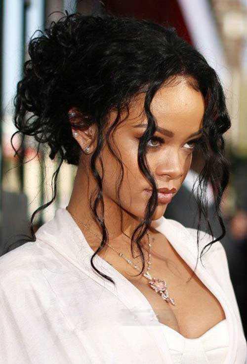 Rihanna de pelo largo rizado-15