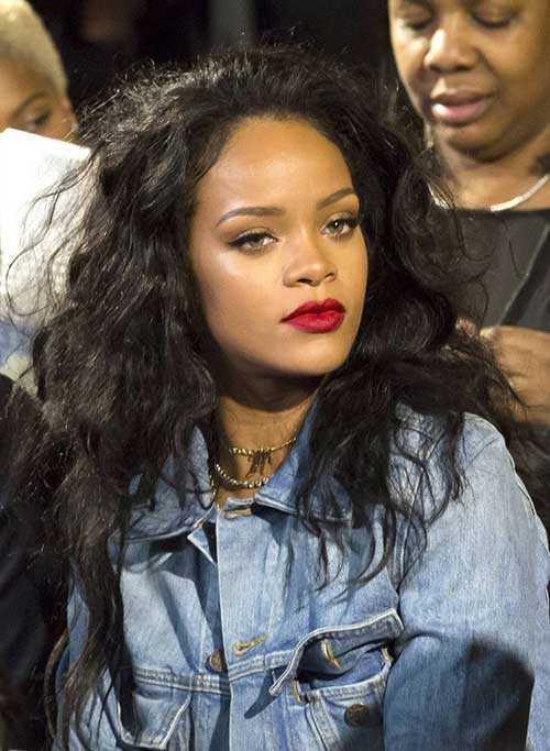 Rihanna de pelo largo rizado-16