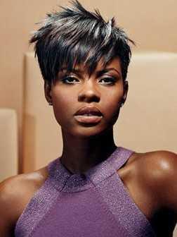 corte de pelo corto de moda para las mujeres negras