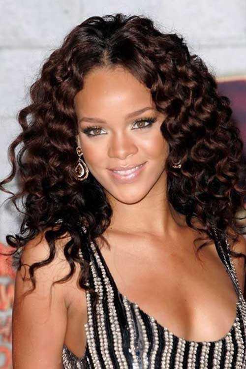 Rihanna de pelo largo rizado-11