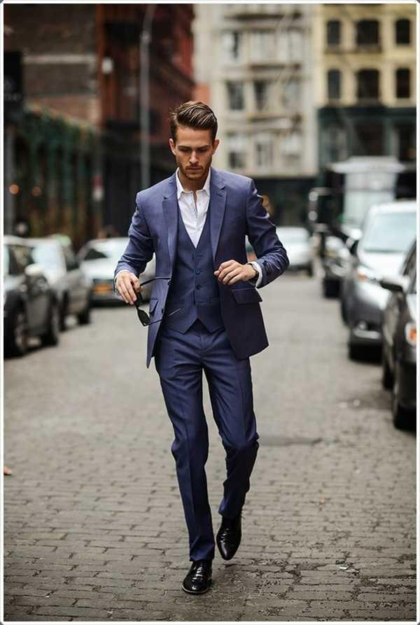 Si usted va a trabajar, o paran una función, un traje azul funciona mejor!