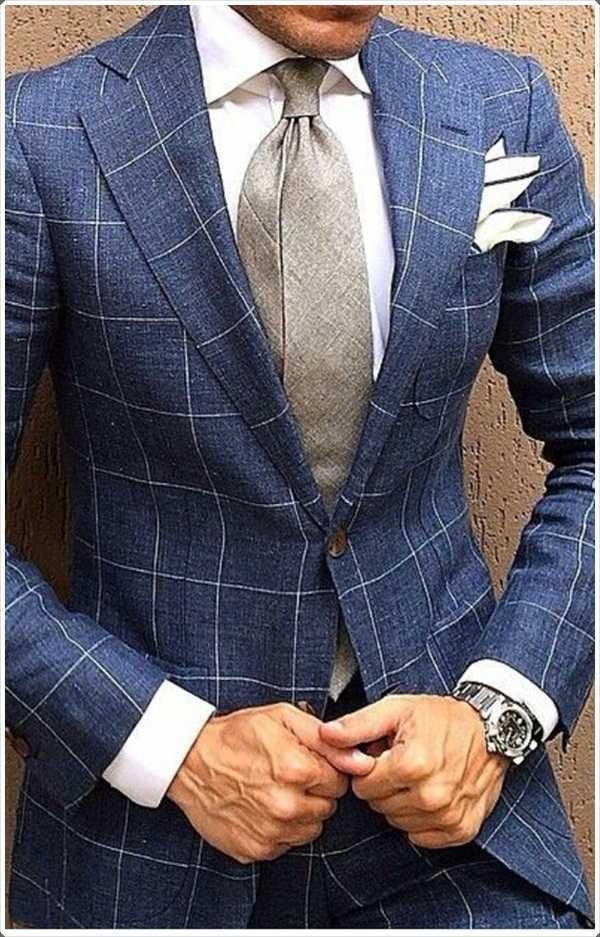 Un diseño simple comprobación en el traje puede hacer su traje único