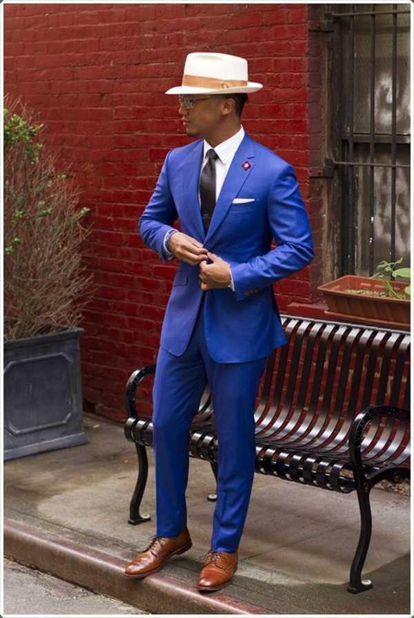 Un sombrero de fieltro para ir con su traje azul es justo lo que necesita